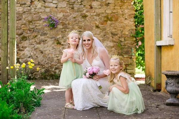 wedding photographer - Ireland-Roundwood house-12