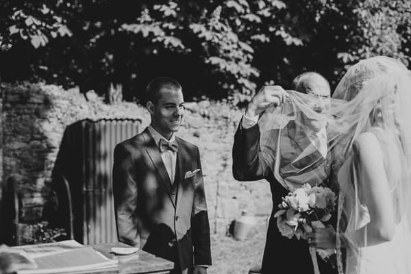 wedding photographer - Ireland-Roundwood house-16