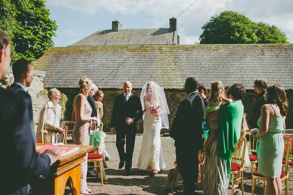 wedding photographer - Ireland-Roundwood house-17