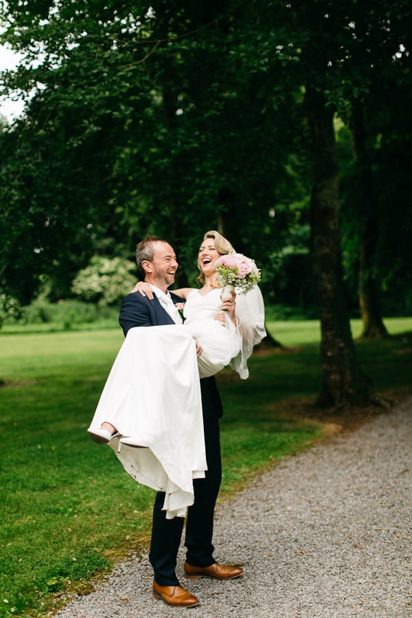 Laura & Matt creative wedding photographers UK-7