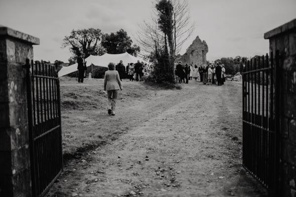 backyard irish castle wedding (37 of 128)